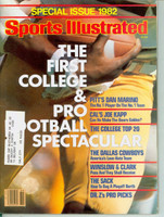1982 Sports Illustrated September 1 Pro - College Football Spectacular Excellent to Mint