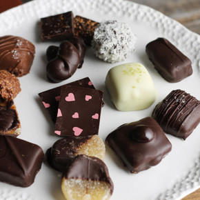 Bridge Street 15 Piece Chocolate Box