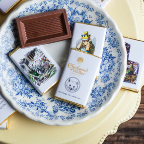Alice in Wonderland Chocolate Set