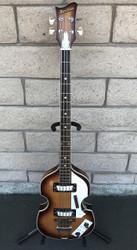 Hofner style Maxitone Violin Bass  w/ Case