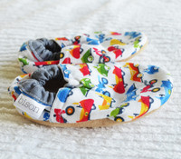 Race Cars Bison Booties 12-18 months