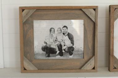 Cornerblock Frame in Driftwood