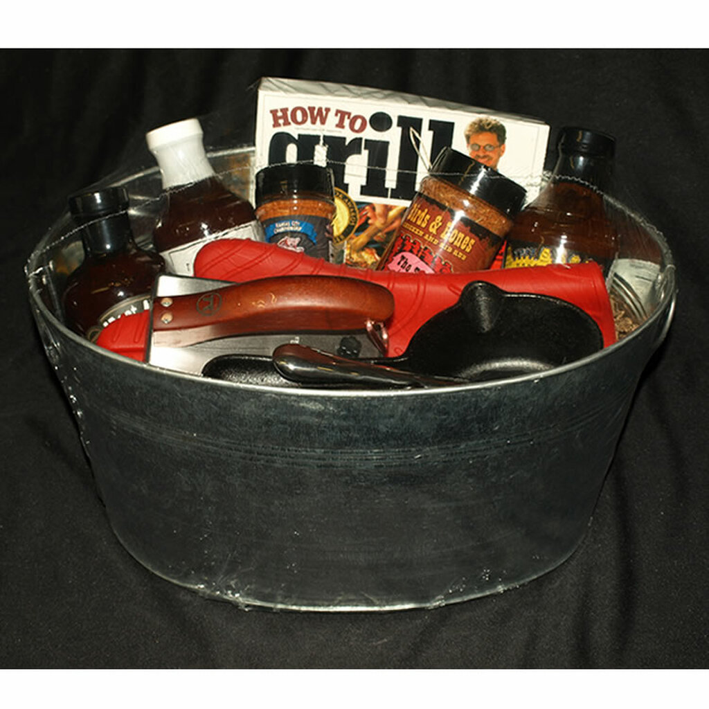 The Pit Master BBQ Gift Basket   BBQ Fans