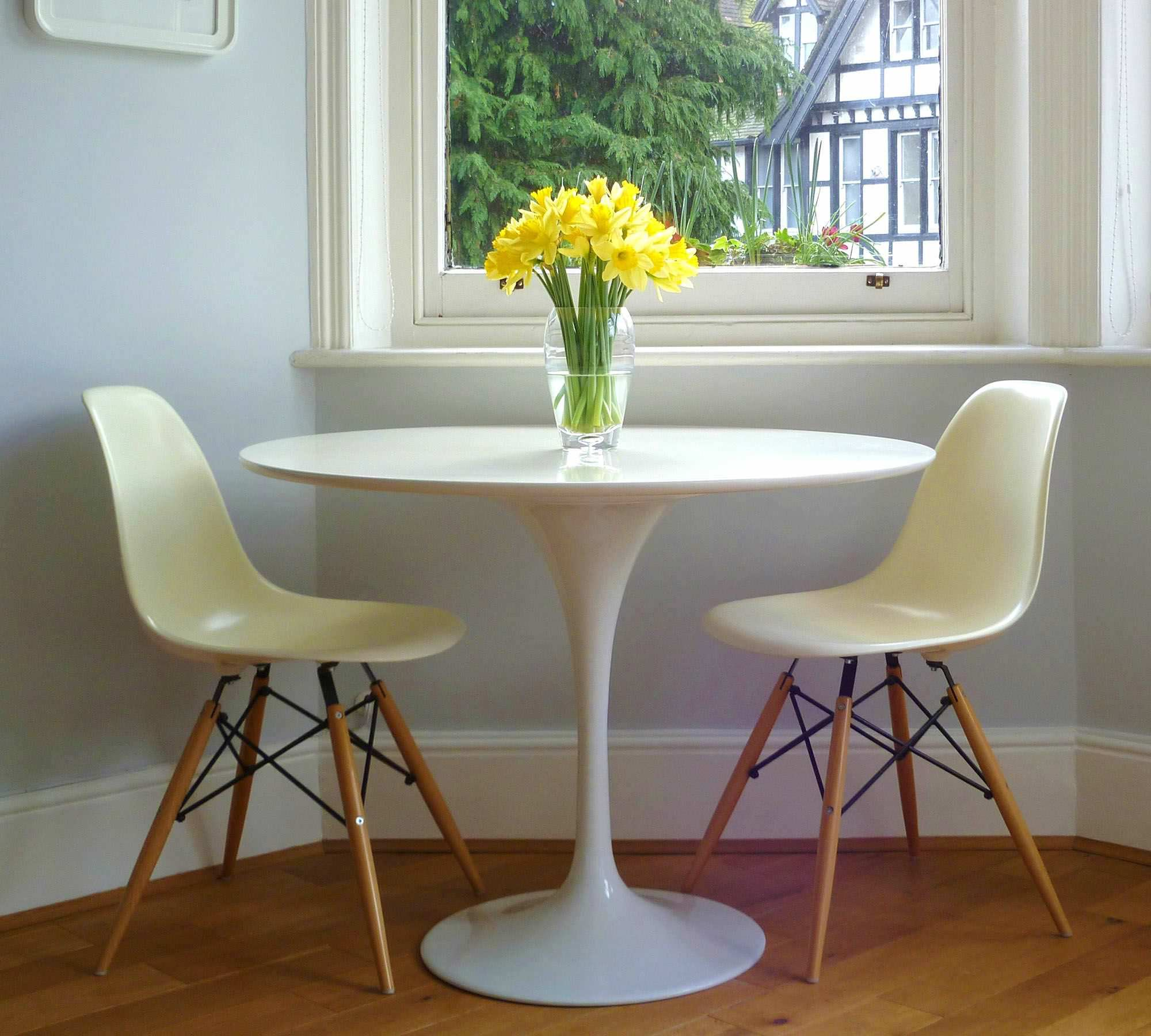 consignment table oval drift nashville tulip saarinen dining