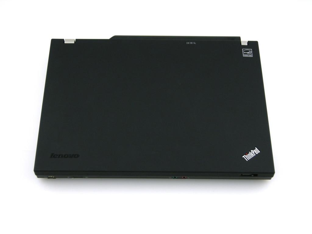 Lenovo Thinkpad T400 - Closed View