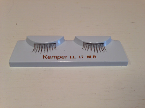 Single Eyelashes in Medium Brown