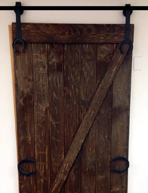 horse shoe barn door hardware
