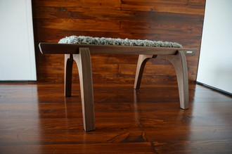 Minimalist Mahogany wood bench Upholstered with curly silver Scandinavian Gotland sheepskin - B0516M3