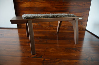 Minimalist Oak wood bench Upholstered with curly silver Scandinavian Gotland sheepskin - B0516O1