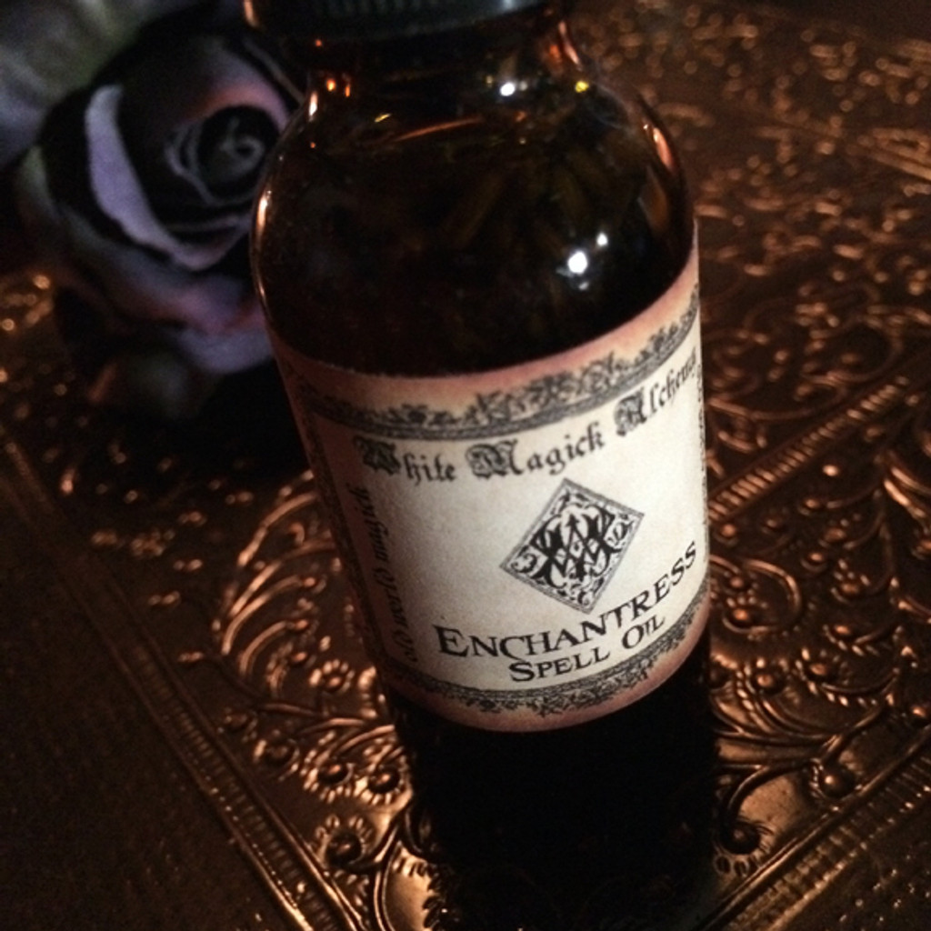 ENCHANTRESS Spell Oil . Love, Sex, Bewitchments