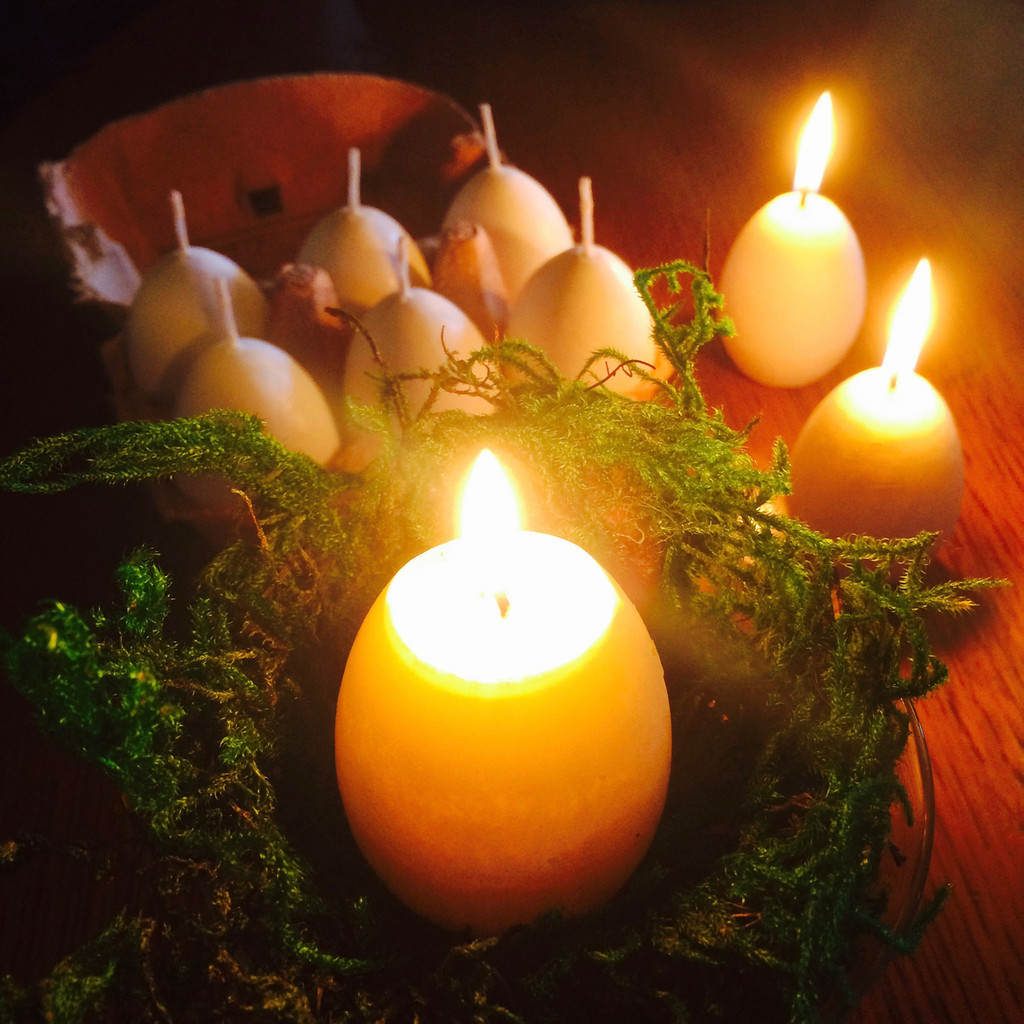 Ostara Easter Egg Candles with Appearing Yolk Set of 2