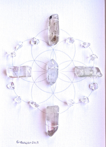 Crystal Grid ULTIMATE POWER with Crystal Quartz the Universal Crystal