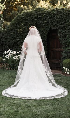 Bridal Veil | V1997C
