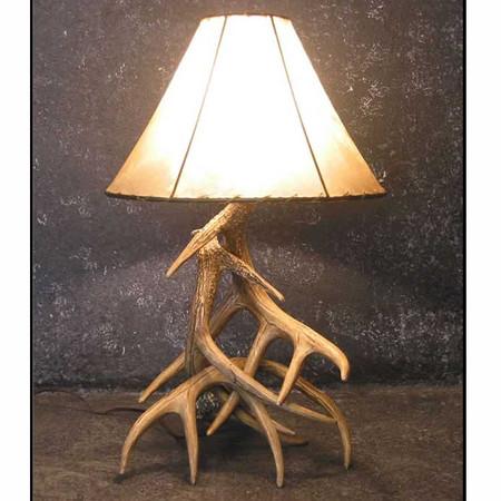 CHW3L Whitetail 3 Antler Table Lamp