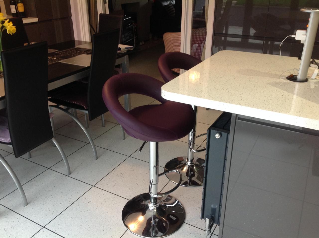 Sorrento Purple Bar Stool Breakfast Bar Stools : sorrentokitchenbarstoolpurple715111499770803 from www.simplybarstools.co.uk size 1280 x 956 jpeg 374kB