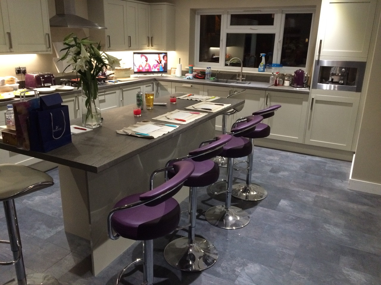 Zenith Purple Bar Stool Breakfast Bar Stool : zenithpurple0103278611499771253 from www.simplybarstools.co.uk size 1280 x 960 jpeg 302kB