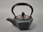 Gourd type Kotetsubin - Sakura in the water - 160ml/cc - Small Iron Teapot Kettle