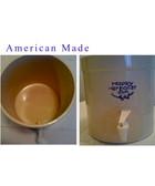 Clay Dispenser 2 1/2 Gallon