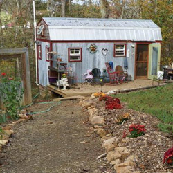 Top tiny house blogs online tiny houses big ideas the for Tiny house blog family