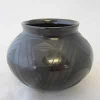 "Signed Nicolas Silveira Mata Ortiz Hand-Made Black Pottery Vase Vessel 5"" Mexico"