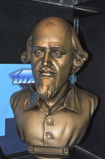 batman shakespeare bust bank