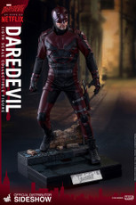 hot toys daredevil 1/6 scale figure