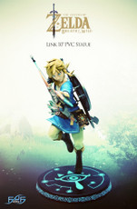 Dark Horse Comics Legend of Zelda: Breath of the Wild Link Figure