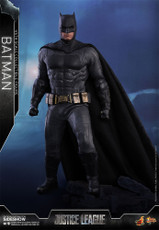 hot toys justice league batman 1/6 scale figure