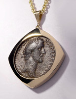 CPR200 - LARGE ANCIENT ROMAN BRONZE ANTONINUS PIUS COIN PENDANT IN 14KT GOLD