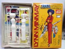 Macross Signed Mari Iijima Lynn Minmay Model Kit Imai Robotech