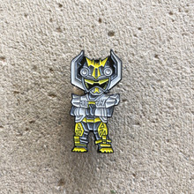 Power Morphicon 2018 Power Rangers Beast Morphers Go Busters Yellow Stag Beetle Buddy Roid Pin