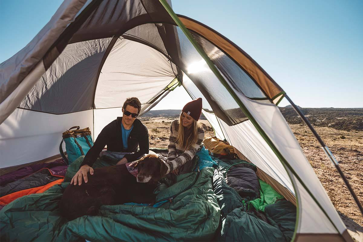 The 3-pole design provides more head and shoulder room and the continuous pole sleeve design is built to make pitching a breeze. & Acadia 4 Person Camping Tent | Kelty