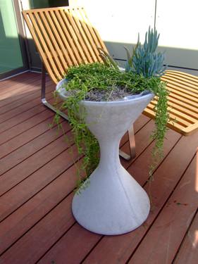 Spindel Planter - Material : Fiber Cement - Finish : Grey