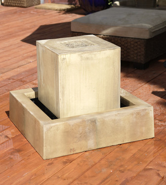 Block Fountain - Material : GFRC - Finish : Sierra