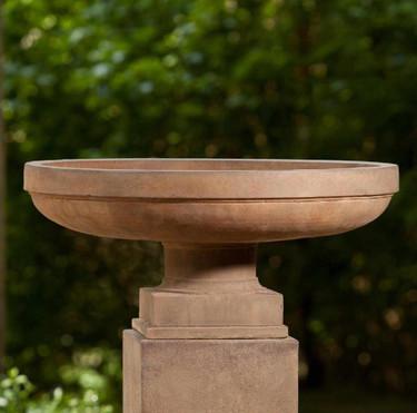 Cliveden Urn - Material : Cast Stone - Finish : Pietra Vecchia