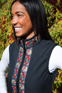 WOMEN'S GLACIER VEST / (Softshell) /  Raven, / Midnight Blossom (trim)
