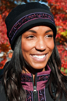 WOMEN'S AURORA HAT / (Softshell) /  Solid Black,  / Velvet-Plumwine (trim)