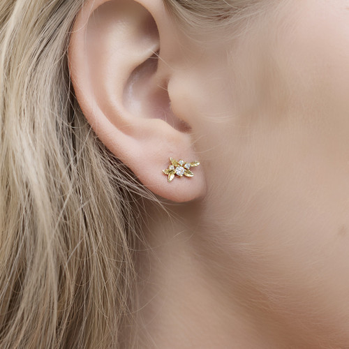 Hakuna_Japan_gold_plated_leafy_stud_earrings_handmade_small_delicate