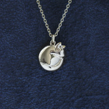 Jana_Reinhardt_handmade_jewellery_sterling_silver_curled_up_cat_kitten_necklace