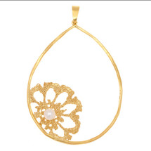 Art Nobile - Gold Plated Flower Necklace