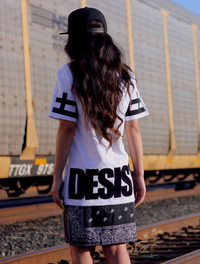 CEASE DESIST Paisley Tyga Bandana Print Graphic Extended Women T-Shirt White