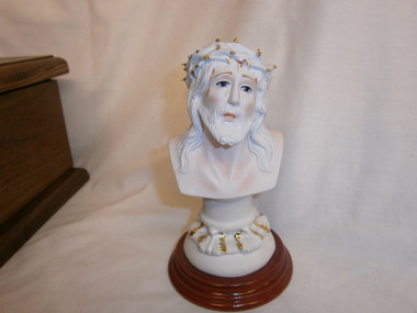 Head of Christ Crowned with Thorns Statuary