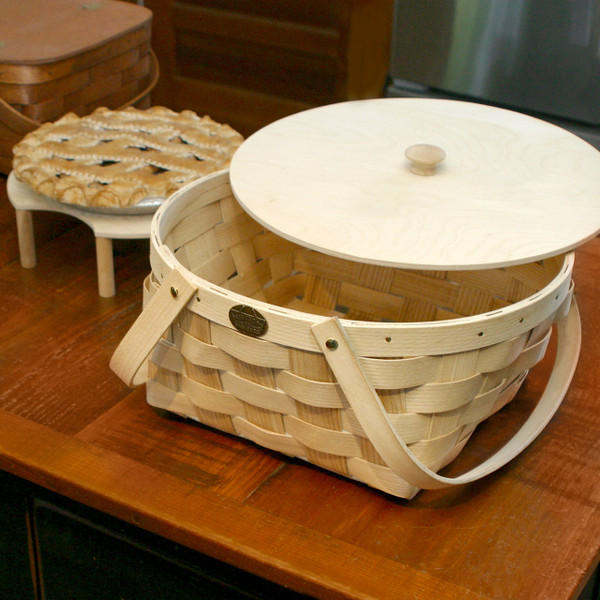 Peterboro Two-Pie Round-Top Basket