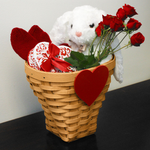 Peterboro Heartfelt Valentine's Bouquet Basket
