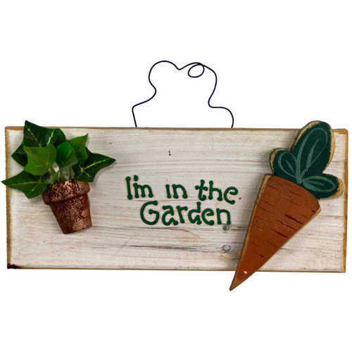 gardening-sign-(i'm-in-the-garden) with carrot and flower pot
