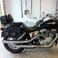 02 Honda VTX 1100 w/ Charger Series Leather Saddlebags