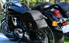Lee's '11 Kawasaki Vulcan 900 B w/ Charger Series Saddlebags