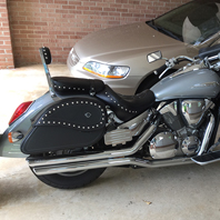 Larry's '05 Honda VTX 1300 R w/ Ultimate Shape Leather Saddlebags