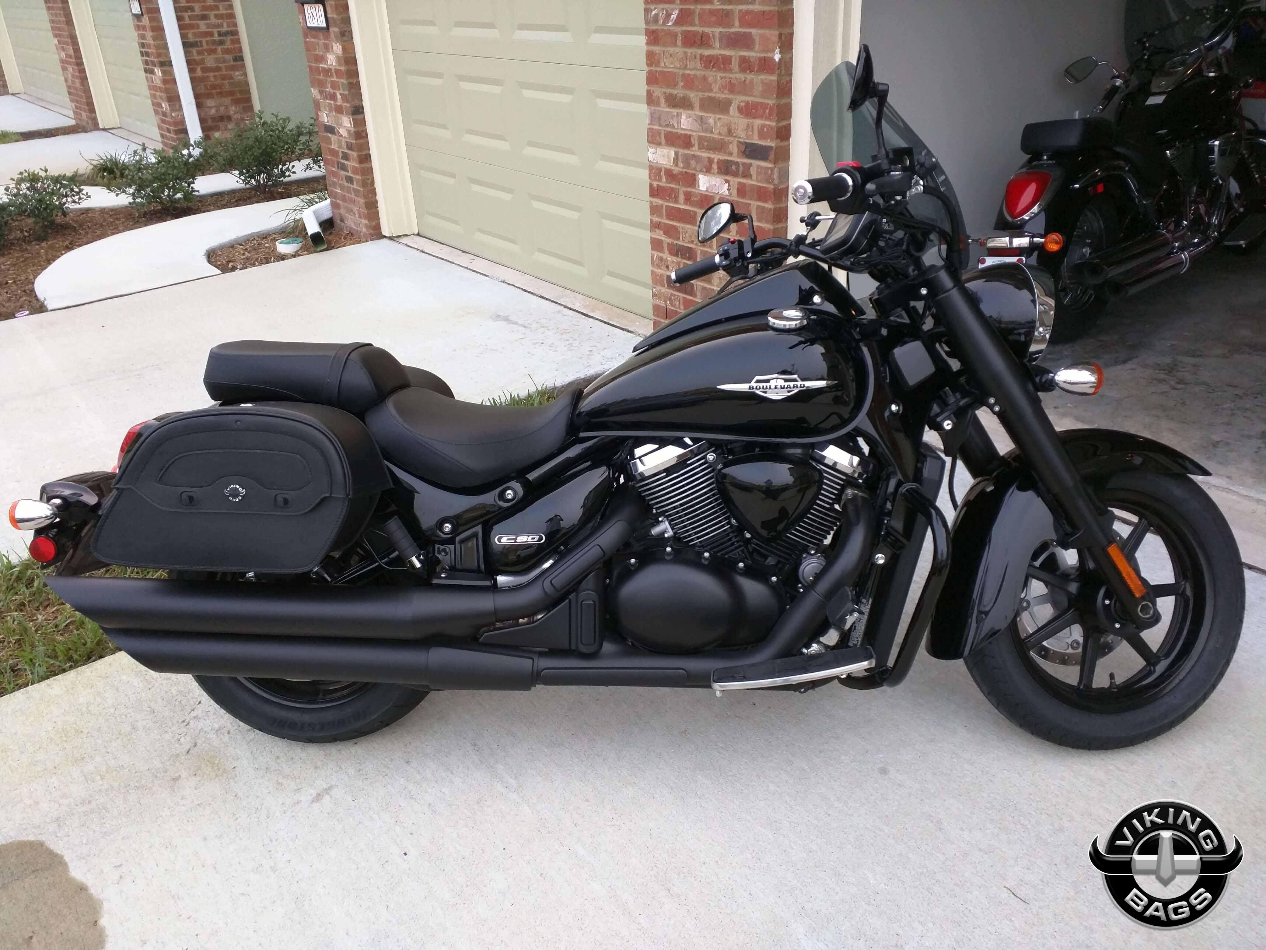 Suzuki Boulevard C90 Warrior large Leather Saddlebags - Motorcycle