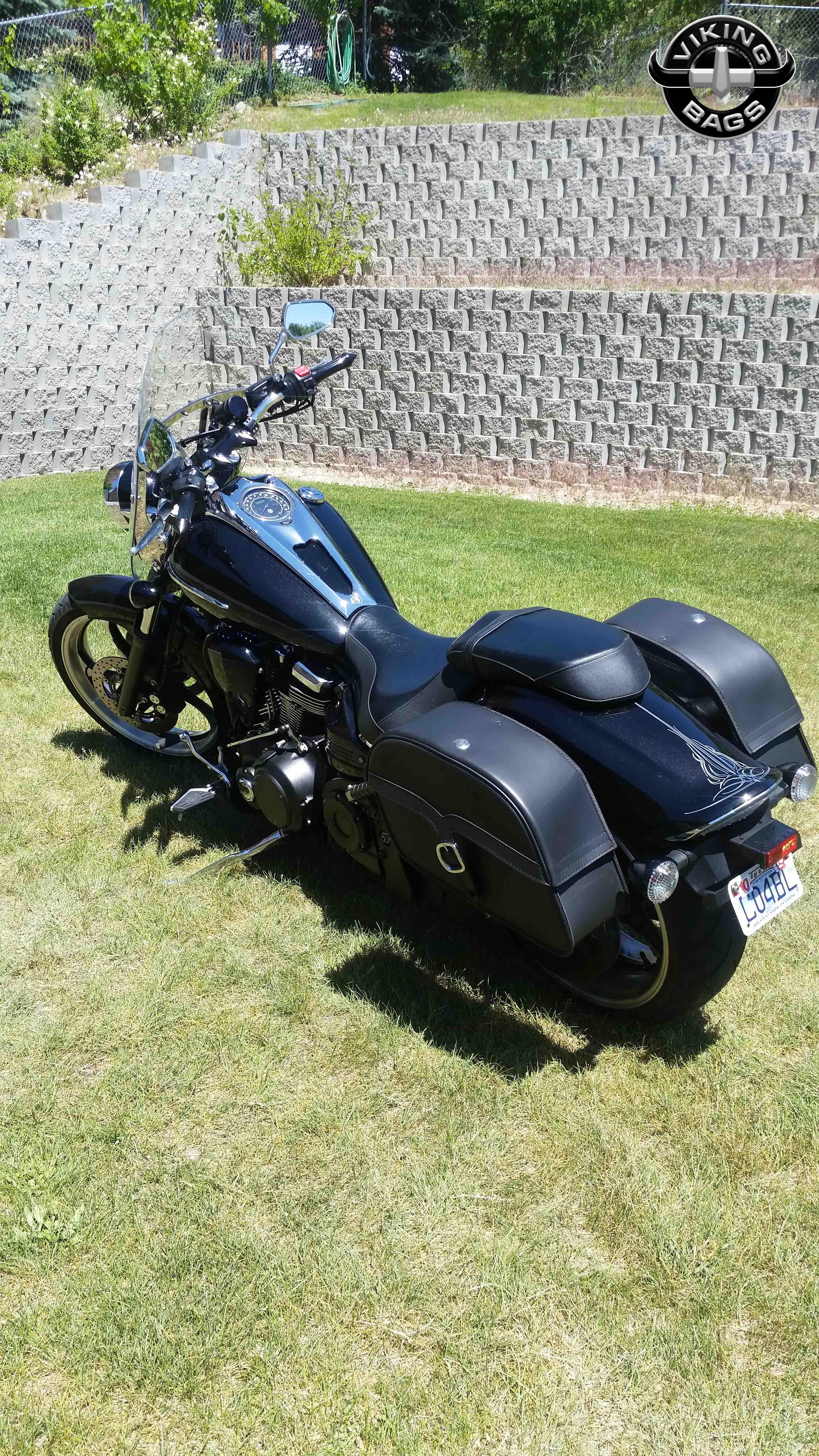 Yamaha raider motorcycle saddlebags l charger single strap for Yamaha raider hard saddlebags